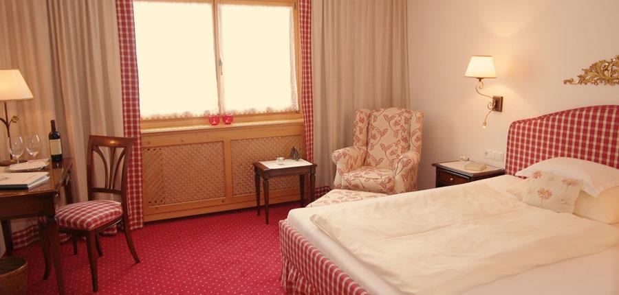 austria_arlberg-ski-area_zurs_hotel_Erzberg_bedroom2.jpg